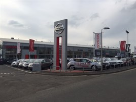 Glyn Hopkin Opens New Nissan Fiat And Jeep Centre In