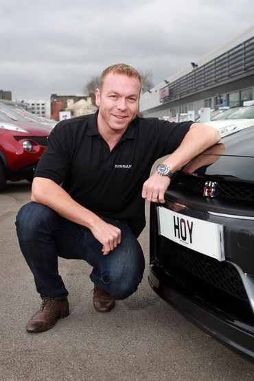 olympian sir chris hoy gets nissan gtr on the road to rio. Black Bedroom Furniture Sets. Home Design Ideas