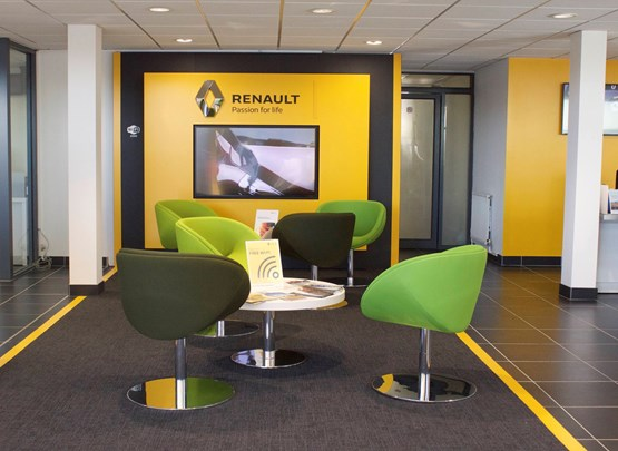 Platts garage opens first renault franchise centre in for Top garage franchise