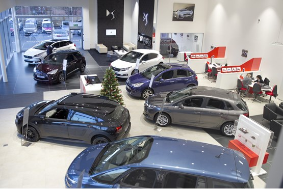 how to become a general manager at a car dealership