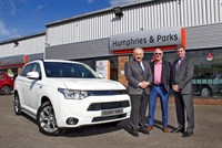 Mitsubishi Motors UK celebrates sale of 10,000th Outlander PHEV