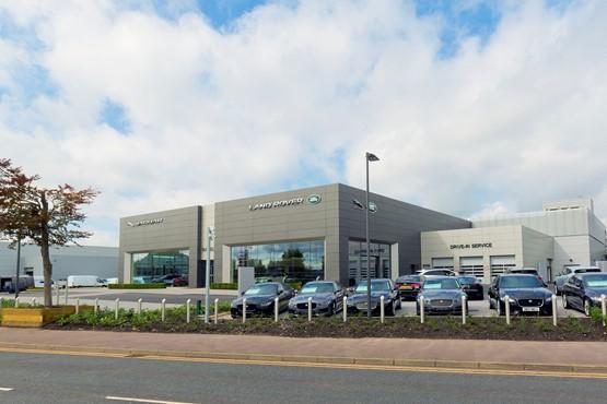 Vertu Motors Opens New Farnell Jaguar Land Rover Bolton Showroom