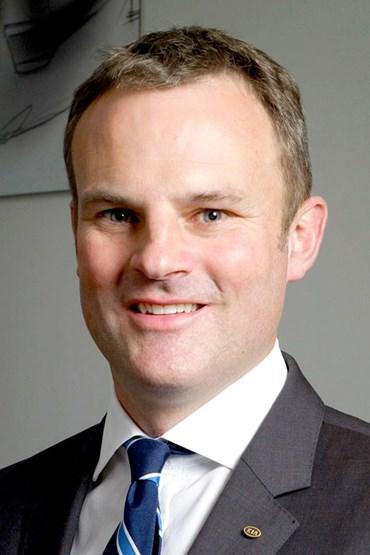 Simon Hetherington, kia