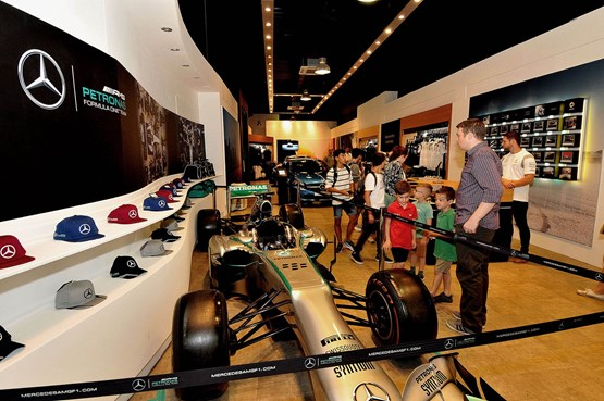 Sinclair mercedes benz targets shoppers with pop up shop for Mercedes benz car shop