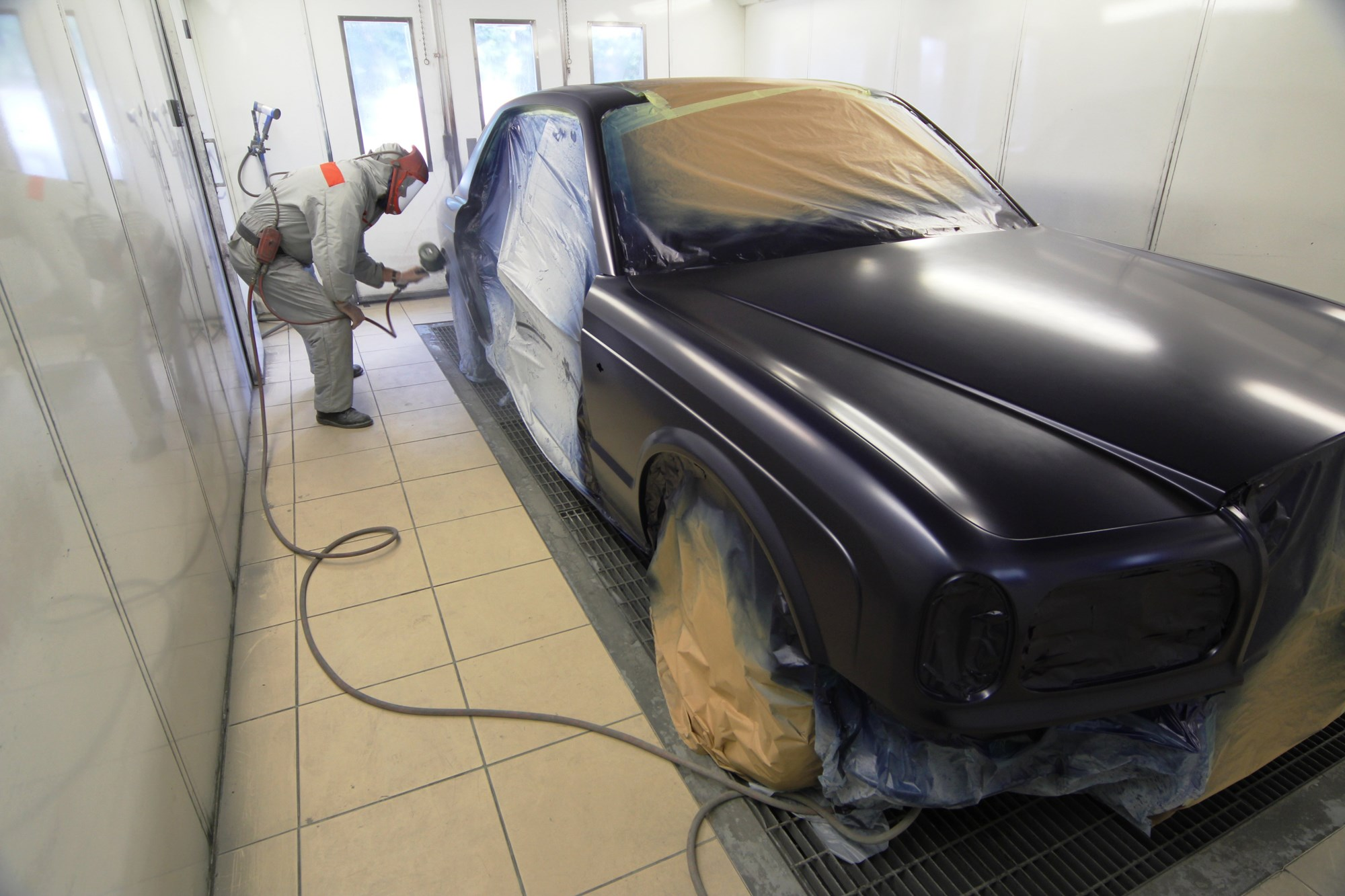London Motor Cars >> Relocation for Rolls-Royce and Bentley repair specialist ...