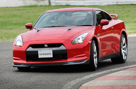 Nissan's new GT-R on the track