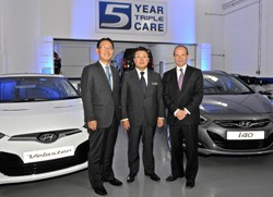 From LtR: Ike Oh, HMUK president, president of HME Chang Kyun Han and Tony Whitehorn, HMUK managing director